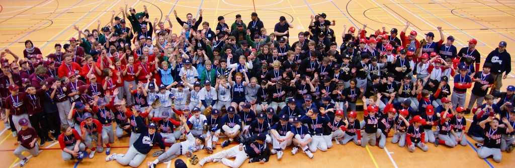 Abschluss 1024x335 Über 260 Kids in 24 Teams beim 6. Little Lakers Baseballcup
